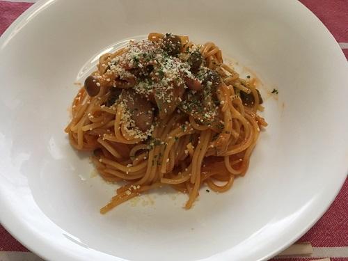 お皿に盛られたナポリタン風スパゲッティ