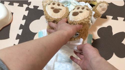 人形を使ったオムツ替え方法(その4)