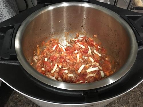 ホットクックで調理する前のミートソース