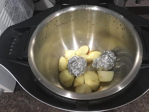 ホットクックで調理した後のポテトサラダ