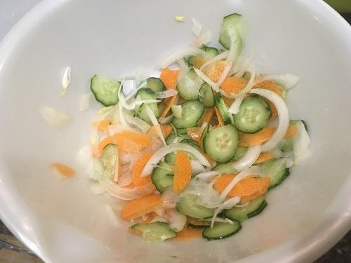 塩漬けされた野菜