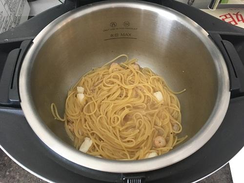 ホットクックで調理した後のシーフードスパゲッティ