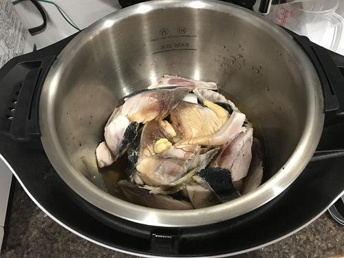 ホットクックで調理する前のぶり大根