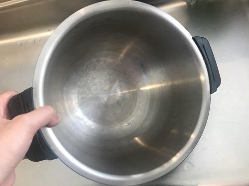 フッ素コートされていない旧機種のホットクックの内鍋