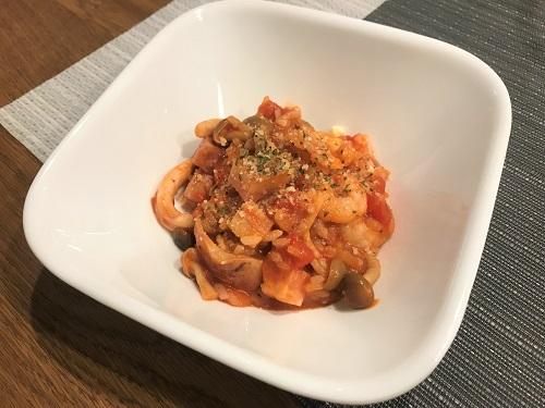 ホットクックで調理され皿に盛られたトマトリゾット
